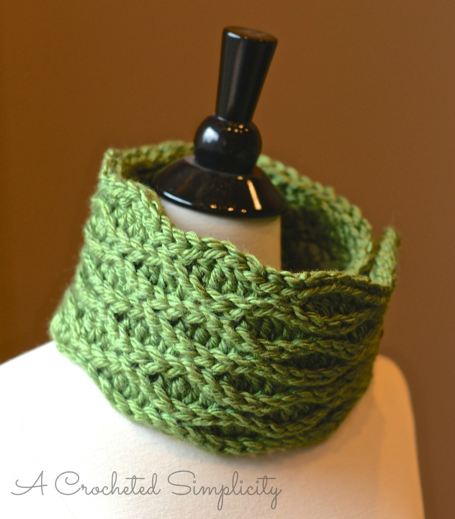 Winter Waves Cowl 3WM