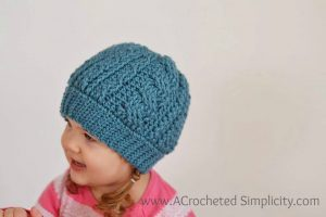 Free Crochet Pattern – Crochet Cabled Beanie (Toddler – Adult) (video tutorial included)